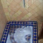 lo scarico della doccia