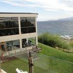 Vista desde la Junior Suites al lago y la pileta