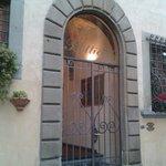 L'ingresso dell'hotel Botticelli