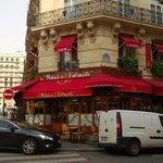 Restaurante na Rue Marbeuf