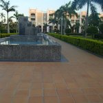 Sidewalk and fountains from the room to the buffet