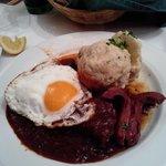 Gulash con uovo