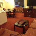 1-bedroom suite w/ kitchenette