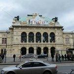 Fachada del Teatro de la Ópera
