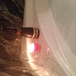 Bañera con detalle cava