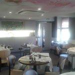 Salle à manger hôtel restaurant les platanes.
