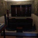 bathroom (interior)