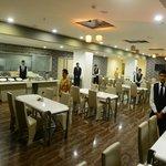 24 Hrs Cafe
