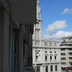 vue du balcon sur la mairie