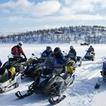 Snowmobile safaris to the Arctic Ocean