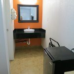 Bakersfield Motel 6 - big mirror, great sink area