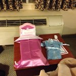 American girl bed & robe for doll