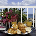 Enjoy the breakfast in the restaurants in the area of the hotel or choose the french bakery