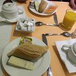 Café da manhã / Breakfast / Petit déjuner