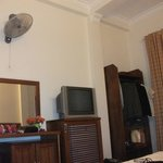 the room has aircondition and a fan