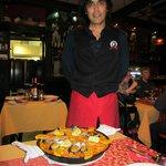 Flot servering af paella