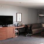 Desk n sitting area