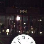 l'orologio che caratterizza il locale