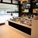 more than 55 different exquisite pralines available