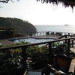 bar overlooking pool, overlooking ocean