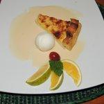 Pai de naranaja con salsa inglesa y bocha de helado de limón--riquísmo!!!