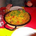 Large meat paella