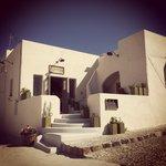 MELITINI restaurant with beautiful rooftop patio overlooking the caldera sea