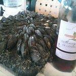 éclades et bon vin
