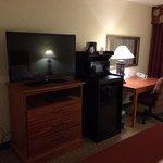 good tv, microwave, fridge, desk