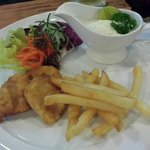 Fish & chips .... small portion, but very fresh & yummy!