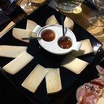 formaggio stagionata assortito con salse delicate