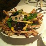 poêlée de pois gourmands aux champignons, taro et patate douce