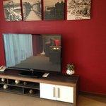огромный телевизор в номере