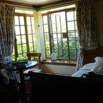 Carmenere room - great big windows w/ a nice breeze