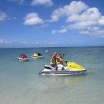 Aguas mansas ideales para navegar en moto de agua