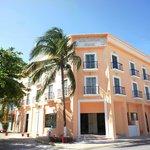 Photo of Los Itzaes Hotel
