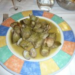 alcachofas frescas con almejas