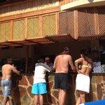 Palapa de piscina( solo hay bebida)