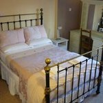 Deluxe Single / Double Private Ensuite (1 or 2 Guests)