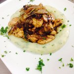Chicken with mushrooms and onion