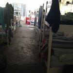 Não indico a ninguém esse hostel, péssimo local, ambiente desagradável, atendimento horrível ! N