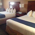 2 Queen bed room 3rd floor.