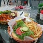 Blackened Fish Sandwich w/fries