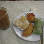 Good traditional Malaysian fare at really cheap prices!
