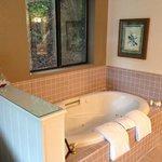 spa tub in room 115