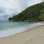 La spiaggia Petit Anse