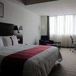 King size bedroom: plenty of space