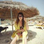 На пляже отличные зонтики