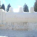 Esculturas que ficam durante todo o inverno. inacreditaveis!