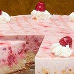 Himbeer-Joghurt Torte vom Café Knaus Oensingen